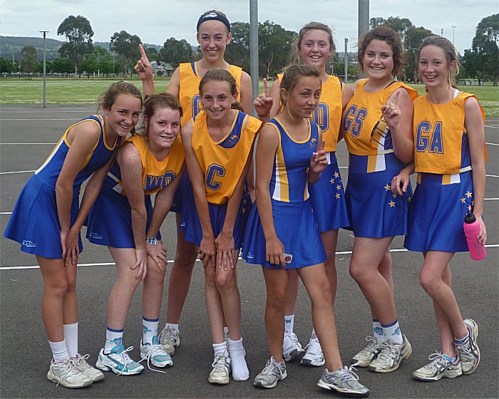 inverell girls Netball day for high school students in years 7, 8, 9 and 10 competitive and non -competitive divisions available for girls or boys teams in a year 7/8 division.